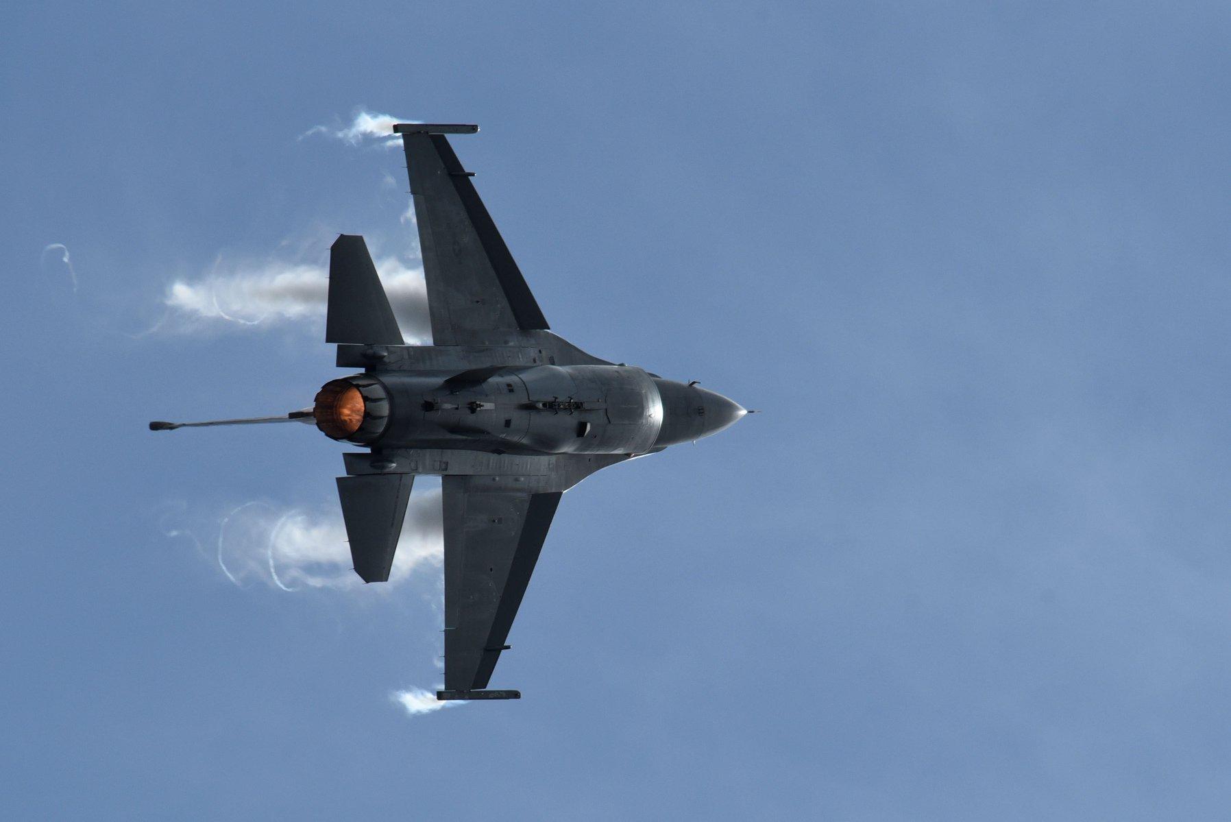 U.S. Air Force's Premier Multi-role Fighter, the F-16 Fighting Falcon – Viper Demo Team 2020